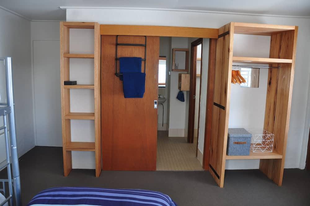 Familienzimmer (Large) - Badezimmer