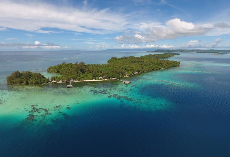 Fatboys Resort, Pulau Mbambanga, Bagian Depan Hotel