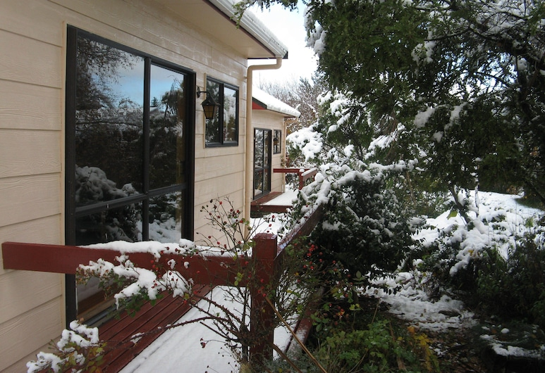 Ossies Motels and Chalets, Ohakune, Property Grounds