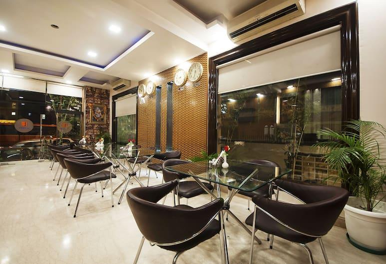 Hotel Le Cadre, New Delhi, Restaurant