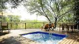 Reserve this hotel in Oudtshoorn, South Africa