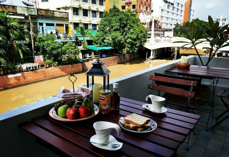 納邦拉普旅館, 曼谷, 餐飲