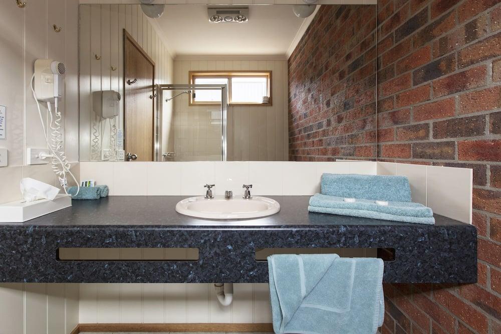 Standard Room (King Room) - Bilik mandi