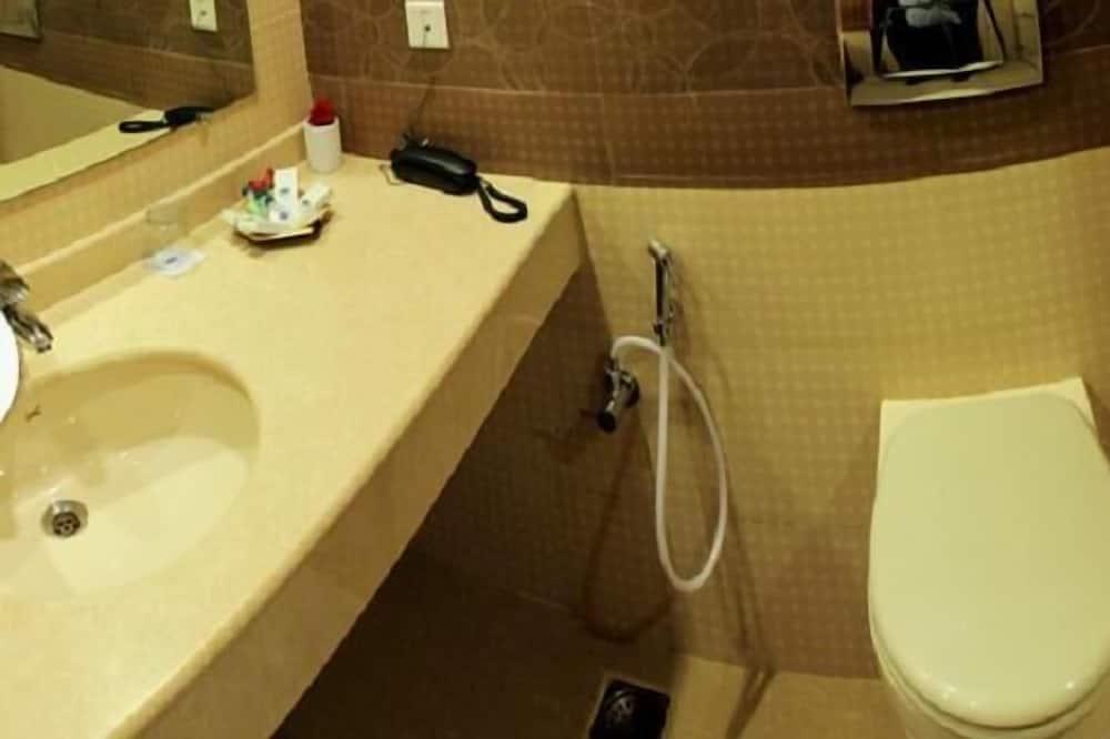 Standard Δωμάτιο, 1 King Κρεβάτι - Μπάνιο