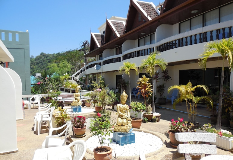 Blue Sky Residence, Patong, Cortile