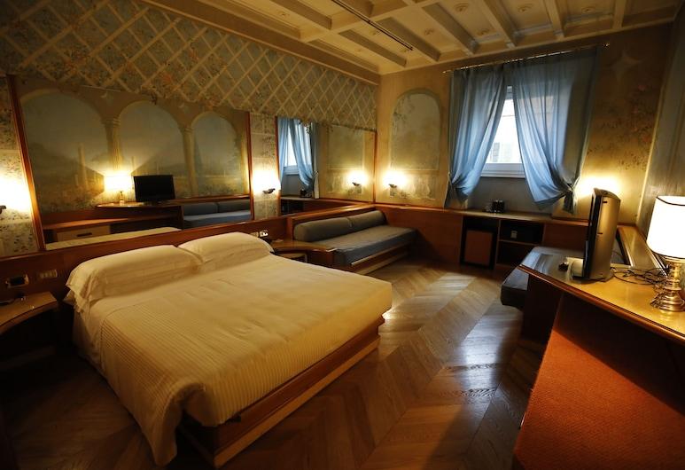 Hotel Sant' Anna, Rome, Classic Quadruple Room, Guest Room