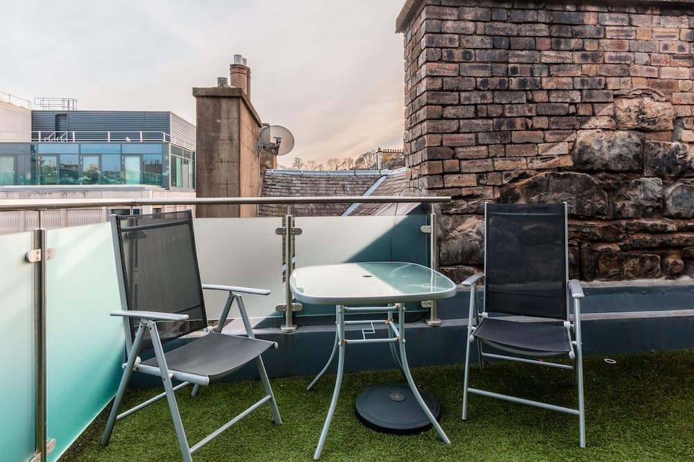 高級頂層客房, 1 張標準雙人床, 城市景 - 露台