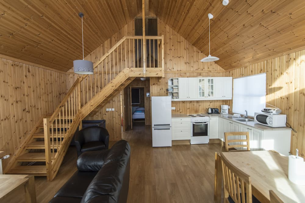 Cottage, 2 Bedrooms, River View - Living Area