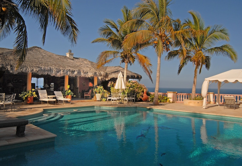 Villa del Faro, וינוראמה, בריכה חיצונית