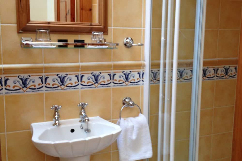 Habitación estándar doble, 1 cama doble, baño privado - Cuarto de baño