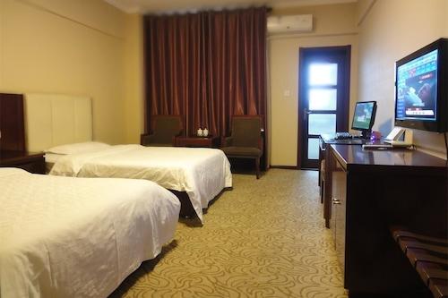 โรงแรมย่าท่าย