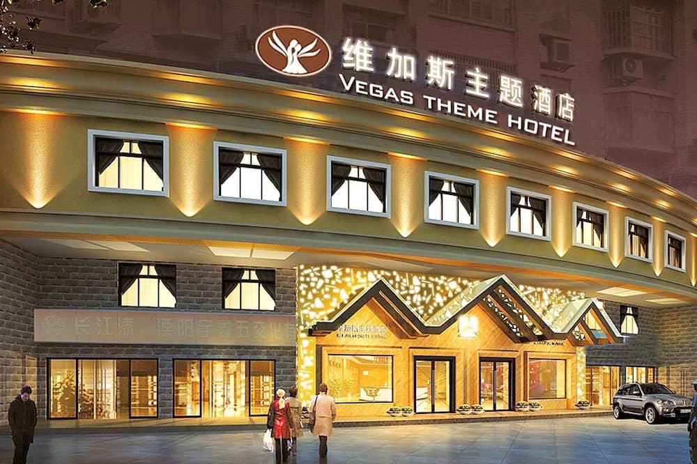 Liyang Vegas Theme Hotel