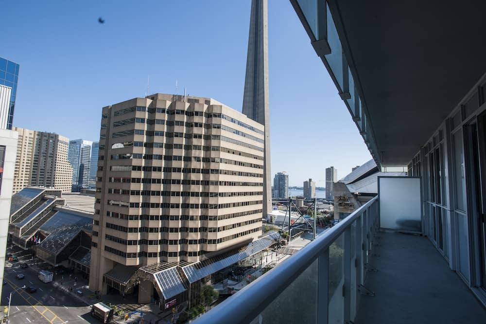 Zīmola kooperatīva tūristu mītne, divas guļamistabas, balkons, skats uz pilsētu - Balkons