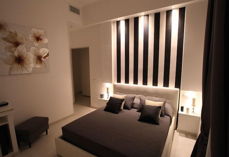 Interno 7 Luxury Rooms , Rome, Standard Double Room, Ensuite, Guest Room
