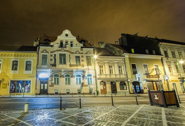 Residence Central Annapolis, Brasov, Hotel Front – Evening/Night