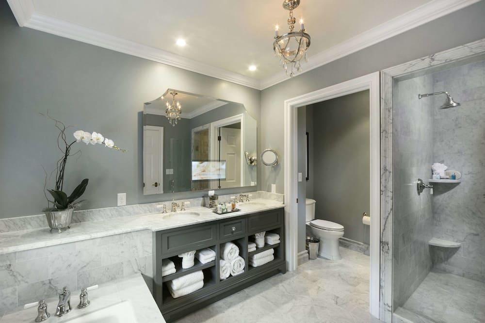 Grand Premier King - Bathroom
