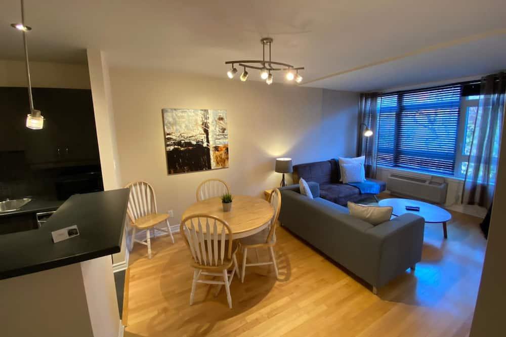 דירת סיטי, חדר שינה אחד (206) - אזור אוכל בחדר