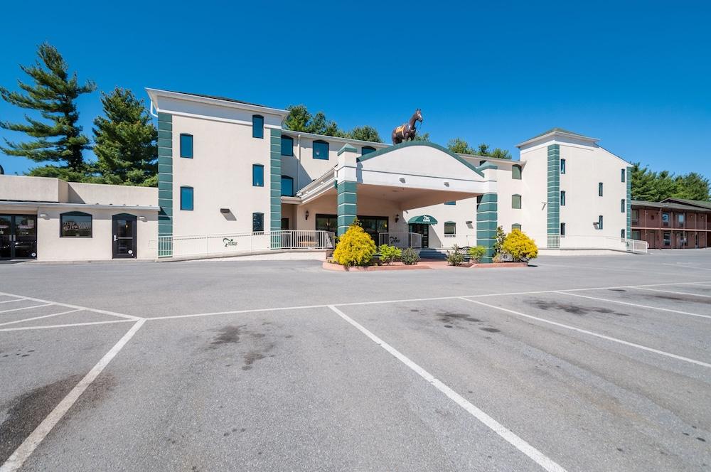 Rodeway Inn Suites Charles Town