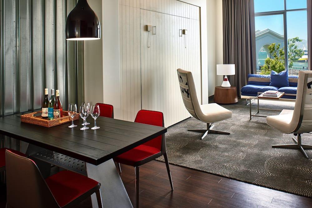 Suite Studio Premium (Waterfront) - Restauration dans la chambre
