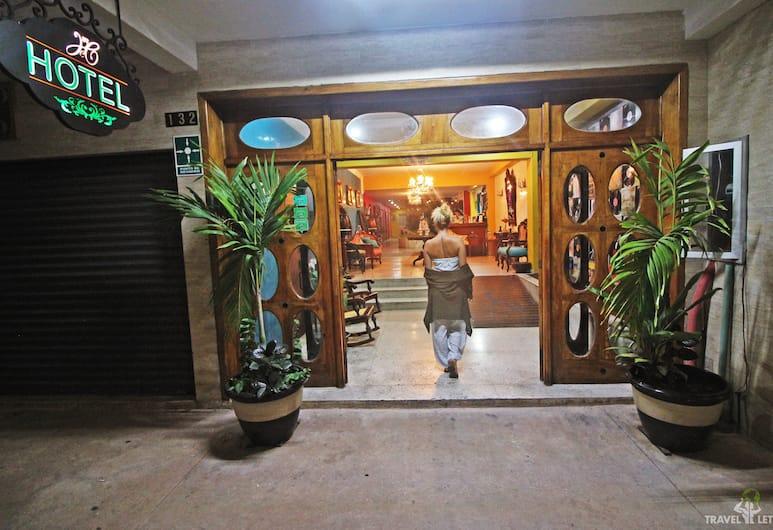 瑪麗卡門酒店, 科茲美島, 酒店入口