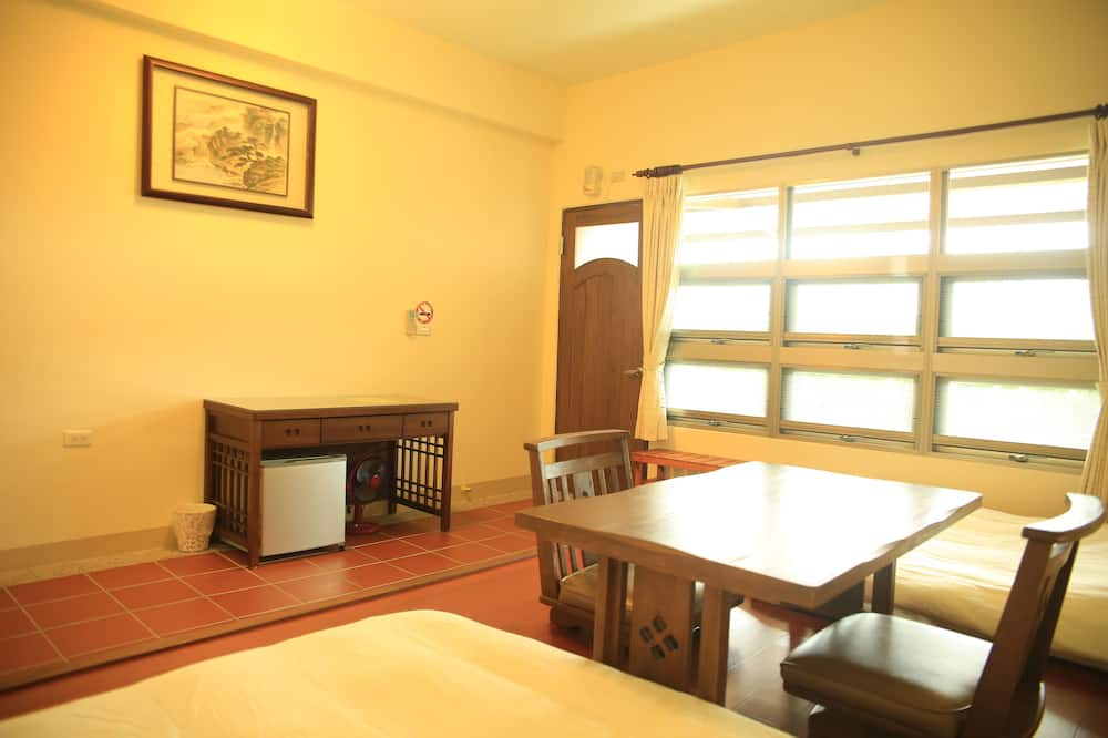 Traditional Double Room (Japanese Style) - In-Room Dining