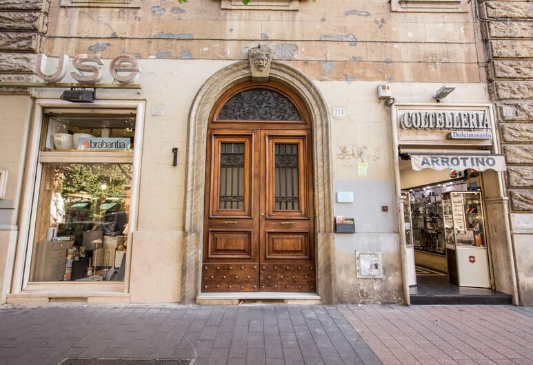 M&L Apartment - case vacanze a Roma, Rome, Exterior