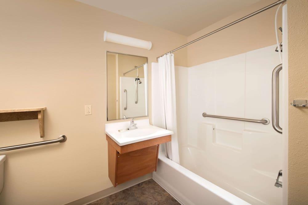 Chambre Standard, 1 lit double, fumeurs - Salle de bain