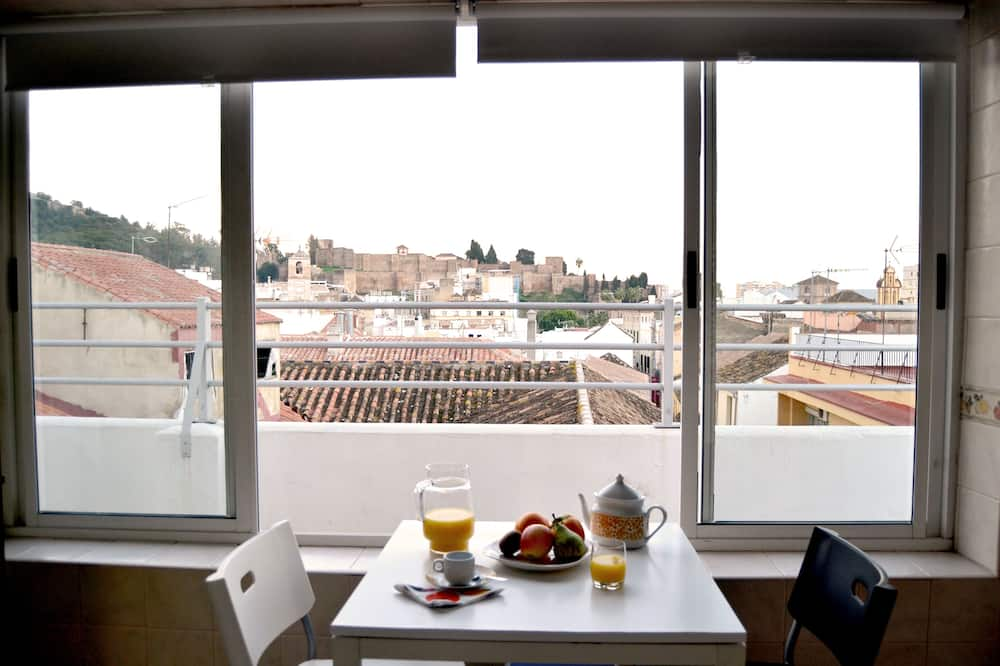Penthouse, 2 Bedrooms, Terrace - In-Room Dining