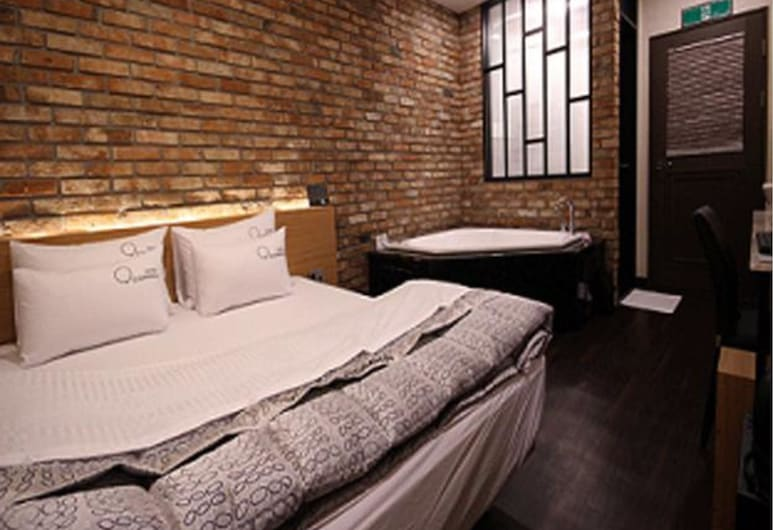 Nampo Comma Hotel, Busan, Deluxe Room, Guest Room