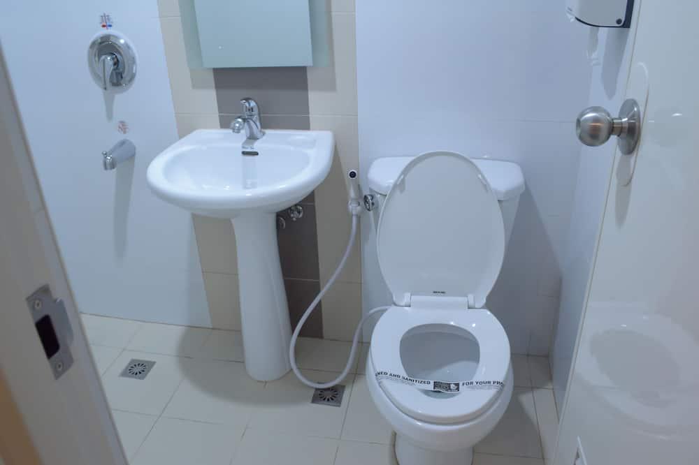 Двухместный номер «Делюкс» с 1 двуспальной кроватью, 1 двуспальная кровать - Ванная комната