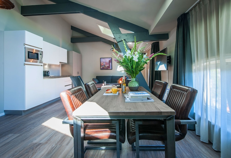Yays Oostenburgergracht Concierged Boutique Apartments, Amsterdam, Family Room, 1 Double Bed with Sofa bed, Living Area
