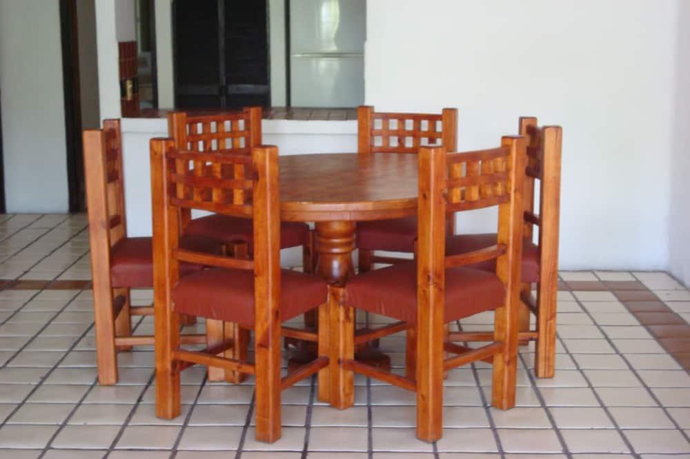 Bungalow, 3 habitaciones - Servicio de comidas en la habitación