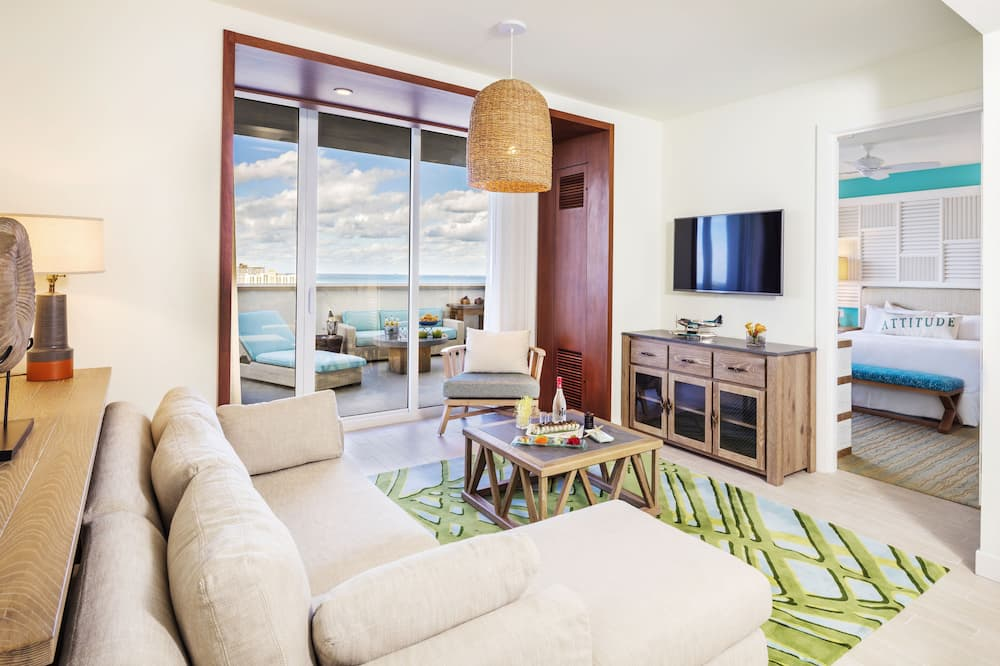 Deluxe Suite, 1 King Bed with Sofa bed, Terrace, Partial Ocean View - Living Room