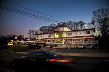 Bild vom Lee High Inn in Fairfax