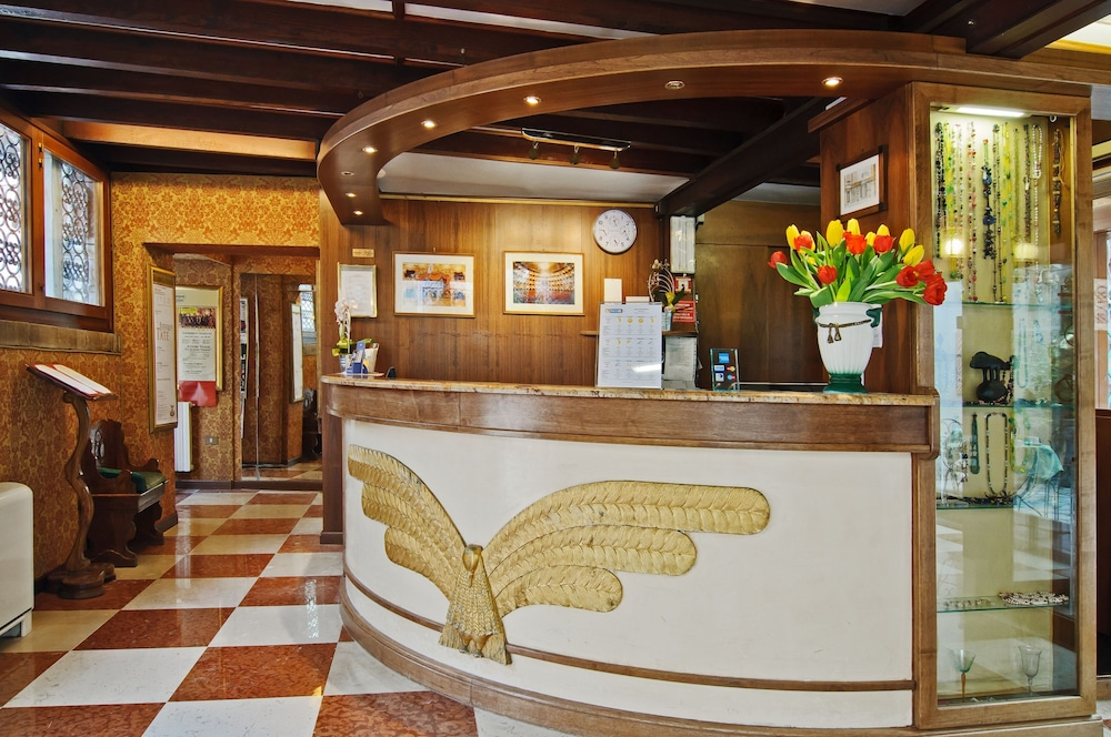 Fenice Apartments In Venice , Venice, Reception