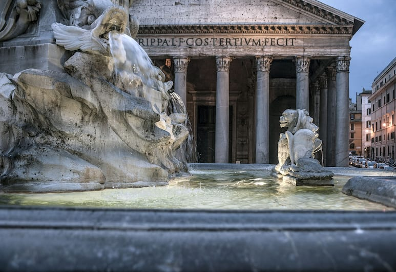 La Residenza del Sole al Pantheon, Rim, Eksterijer