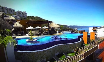 Enter your travel dates, check our Puerto Vallarta last minute prices