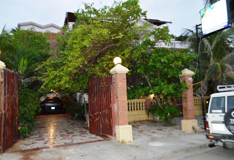 Beau Rivage Hotel, Cap-Haitien, Exterior
