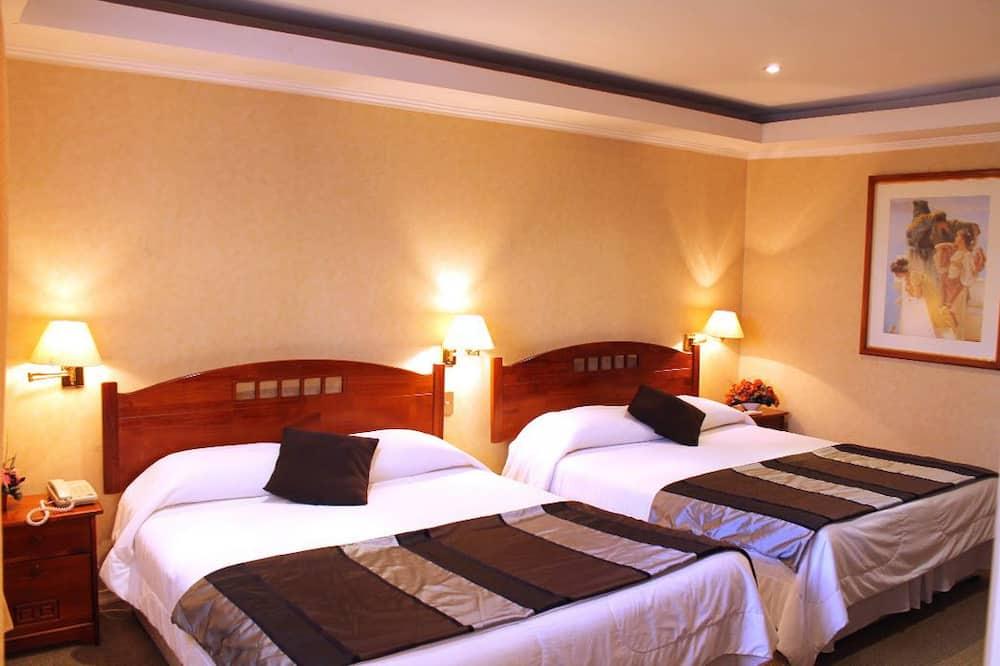 Pagerinto tipo dvivietis kambarys, 2 standartinės dvigulės lovos - Svečių kambarys