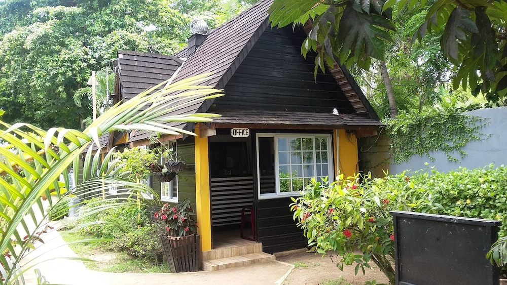 Book Firefly Beach Cottages And Suites In Negril Hotels Com