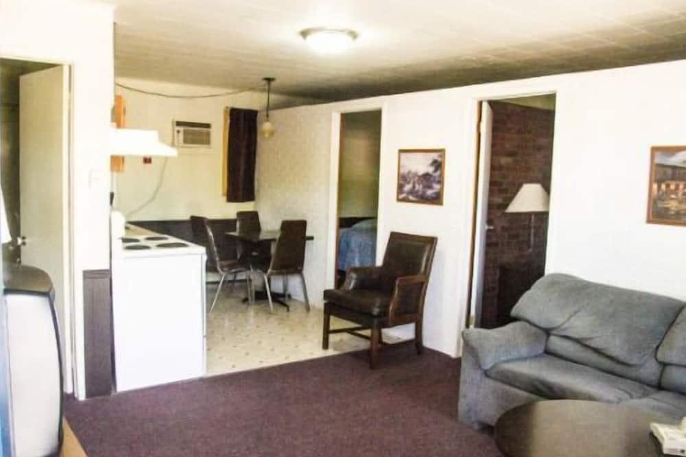 Signature Suite, 2 Bedrooms - Living Area