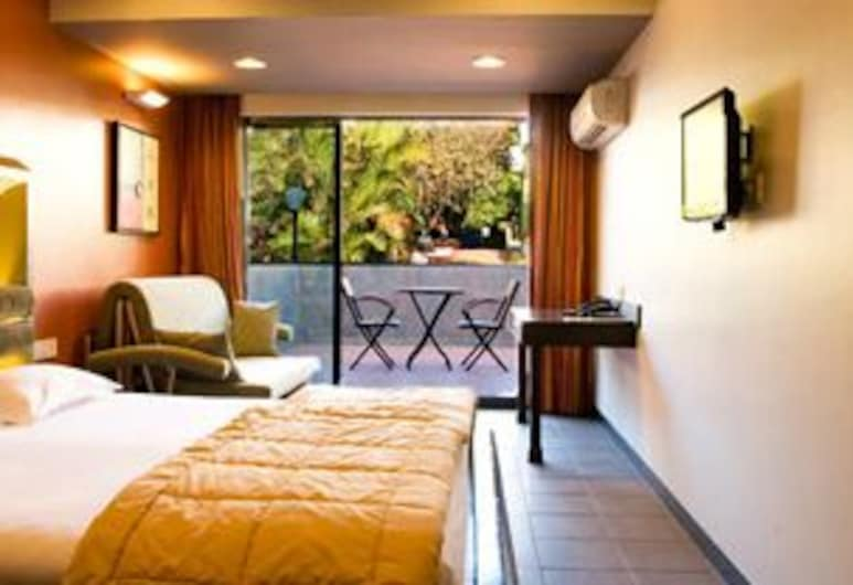 Saj Resort, Mahabaleshwar, Luxury Room with Balcony, Guest Room