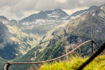 Enter your dates for our Dorfgastein last minute prices
