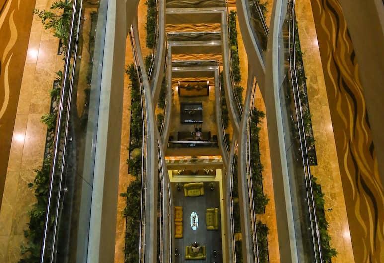 Tulip Creek Hotel Apartments, Dubajus, Koridorius