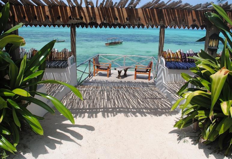 Seasons Lodge Zanzibar, Pongwe, Beach