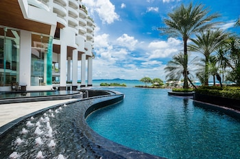 Choose This Beach Hotel in Pattaya -  - Online Room Reservations