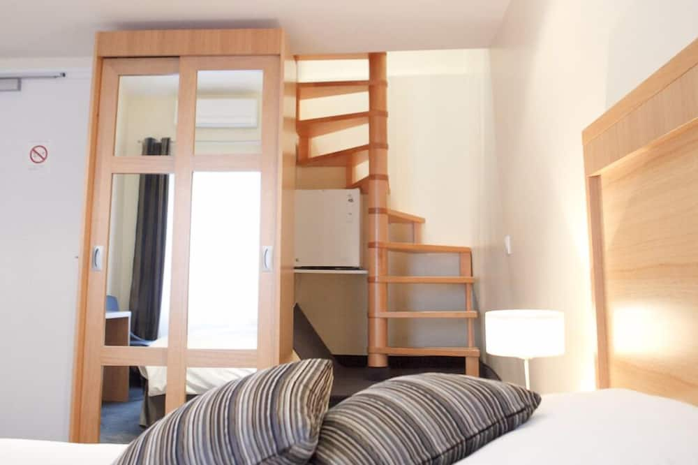 Superior Room, 2 Twin Beds, Private Entrance - Guest Room