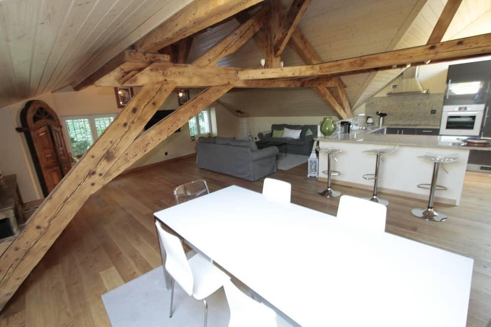 Obiteljski apartman, 2 spavaće sobe, za nepušače, kuhinja - Obroci u sobi