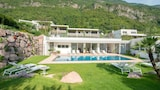 Reserve this hotel in Postal, Italy