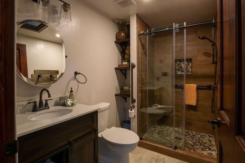 Premium cottage, en-suite badkamer, uitzicht op bergen (Liberty) - Badkamer